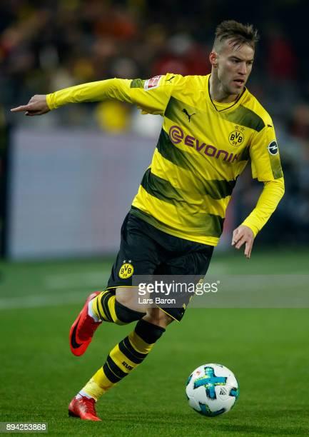 Andrey Yarmolenko of Dortmund runs with the ball the Bundesliga match between Borussia Dortmund and TSG 1899 Hoffenheim at Signal Iduna Park on...