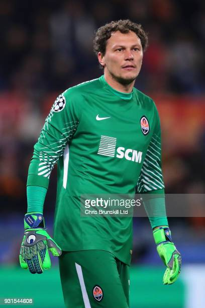 Andriy Pyatov of Shakhtar Donetsk looks on during the UEFA Champions League Round of 16 Second Leg match between AS Roma and Shakhtar Donetsk at...