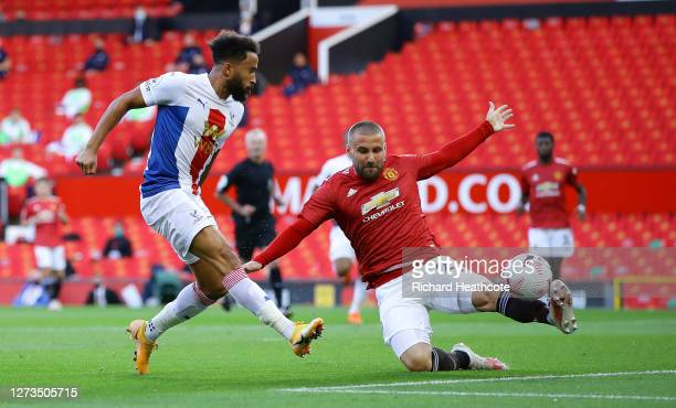 Andros Townsend of Crystal Palace scores his sides first goal during the Premier League match between Manchester United and Crystal Palace at Old...