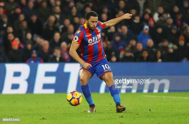 Andros Townsend of Crystal Palace scores their first and equalising goal during the Premier League match between Crystal Palace and Arsenal at...