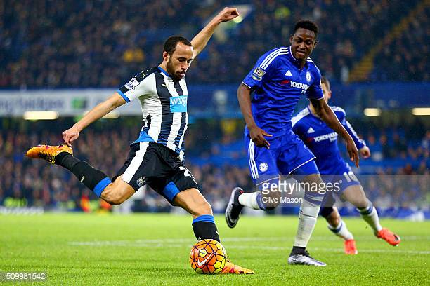 Andros Townsend of Newcastle United shoots at goal during the Barclays Premier League match between Chelsea and Newcastle United at Stamford Bridge...