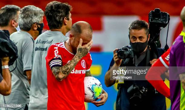 Andrés D'Alessandro Of Internacional cries after his last match in the club against Palmeiras as part of Brasileirao Series A 2020 at Beira Rio...