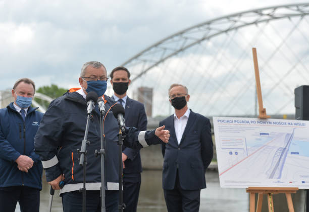 POL: Minister Adamczyk Briefing On Rail Investments