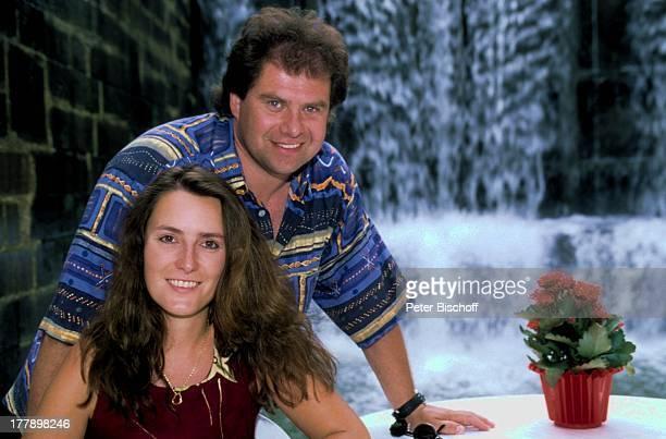 Andy Borg Lebensgefährtin Birgit Strobel Urlaub auf Hausboot Saverne Frankreich Europa Boot Wasserfall VolksmusikModerator Sänger Musiker