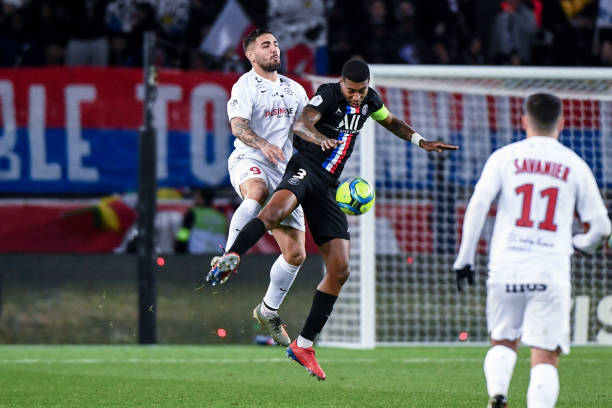MHSC -EQUIPE DE MONTPELLIER -LIGUE1- 2019-2020 - Page 5 Andy-delort-of-montpellier-and-presnel-kimpembe-of-psg-during-the-1-picture-id1197940242?k=6&m=1197940242&s=612x612&w=0&h=snebYHaA5tEETeCc0cGDMJCmE2WY6W21UUZFeqJVg8g=