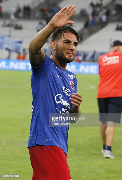 Andy Delort of SM Caen thanks the supporters following the French Ligue 1 match between Olympique de Marseille and SM Caen at Stade Velodrome on...