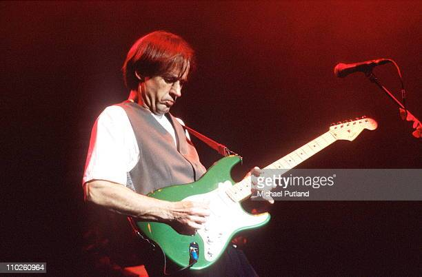 Andy Fairweather Low performs on stage London 1989