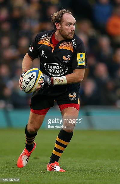 Andy Goode of Wasps in action during the Aviva Premiership match between Wasps and London Welsh at Adams Park on November 16, 2014 in High Wycombe,...