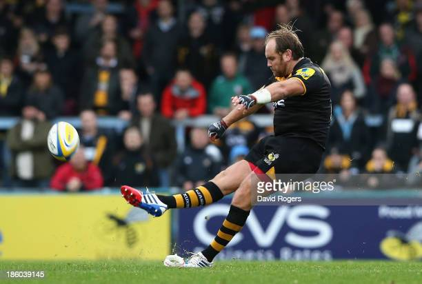 Andy Goode of Wasps kicks a long range penalty during the Aviva Premiership match between London Wasps and Leicester Tigers at Adams Park on October...
