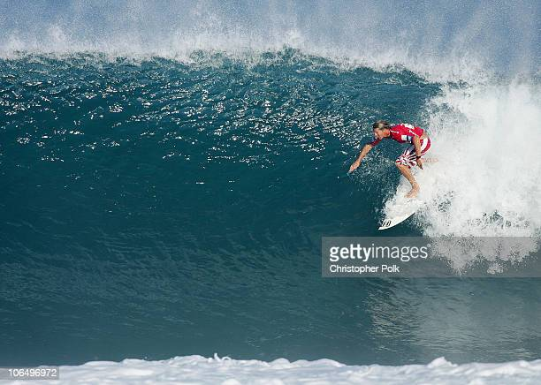 535a0255988e8d Andy Irons surfs during the quarterfinal 3 of the Rip Curl Pro Pipeline  Masters held at