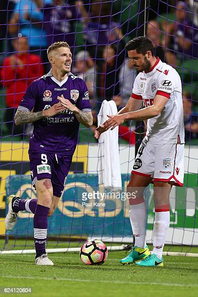 Andy Keogh of the Glory celebrates a goal during the round seven ALeague match between the Perth Glory and Adelaide United at nib Stadium on November...