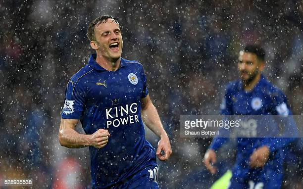 Andy King of Leicester City celebrates scoring his team's second goal during the Barclays Premier League match between Leicester City and Everton at...