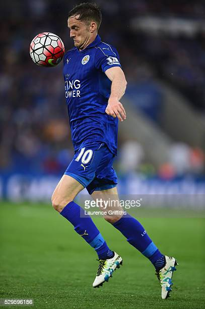 Andy King of Leicester City in action during the Barclays Premier League match between Leicester City and Everton at The King Power Stadium on May 7...