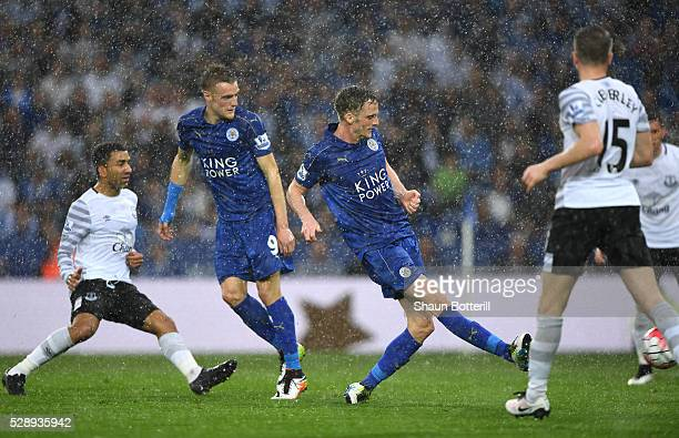 Andy King of Leicester City scores his team's second goal during the Barclays Premier League match between Leicester City and Everton at The King...