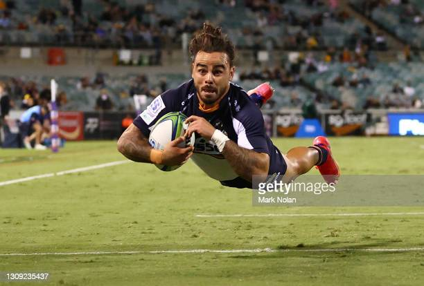 Andy Muirhead of the Brumbies divbes to score a try during the round 6 Super RugbyAU match between the ACT Brumbies and the Western Force at GIO...