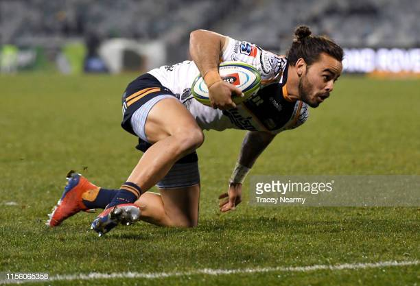 Andy Muirhead of the Brumbies scores a try during the round 18 Super Rugby match between the Brumbies and the Reds at GIO Stadium on June 15 2019 in...