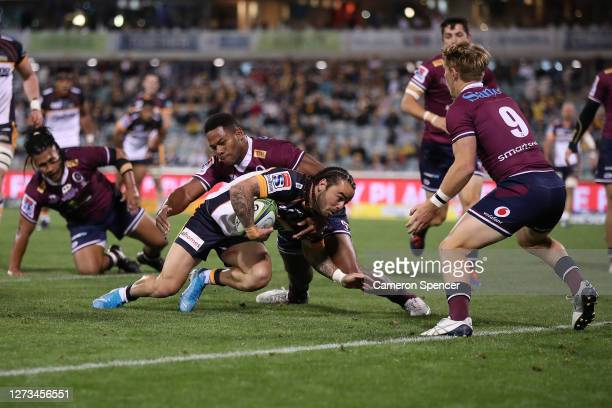 Andy Muirhead of the Brumbies scores a try during the Super Rugby AU Grand Final between the Brumbies and the Reds at GIO Stadium on September 19,...