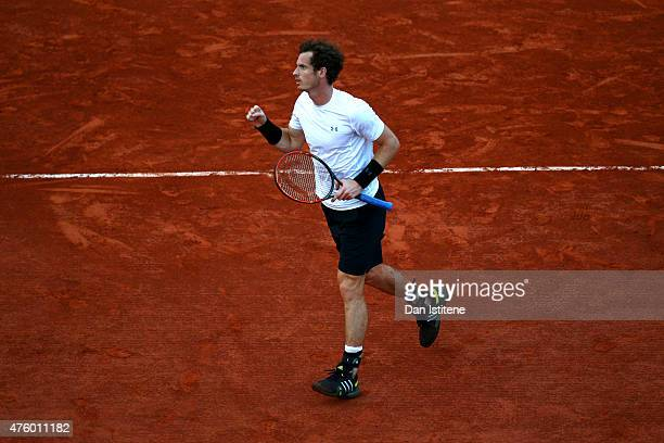 Andy Murray of Great Britain celebrates a point in his Men's Semi Final match against Novak Djokovic of Serbia on day thirteen of the 2015 French...