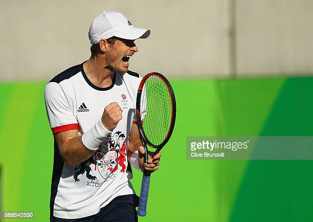 Andy Murray of Great Britain celebrates winning a point during the men's singles third round match against Fabio Fognini of Italy on Day 6 of the...