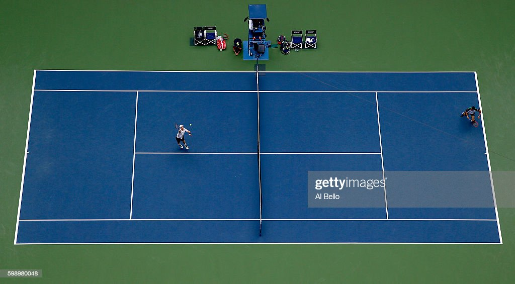 Andy Murray of Great Britain returns a shot to Paolo Lorenzi of Italy during his third round Men's Singles match on Day Six of the 2016 US Open at the USTA Billie Jean King National Tennis Center on September 3, 2016 in the Flushing neighborhood of the Queens borough of New York City.