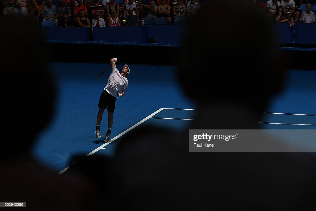 Andy Murray of Great Britain serves to Alexander Zverev of Germany in the mens singles match during day six of the 2016 Hopman Cup at Perth Arena on January 8, 2016 in Perth, Australia.
