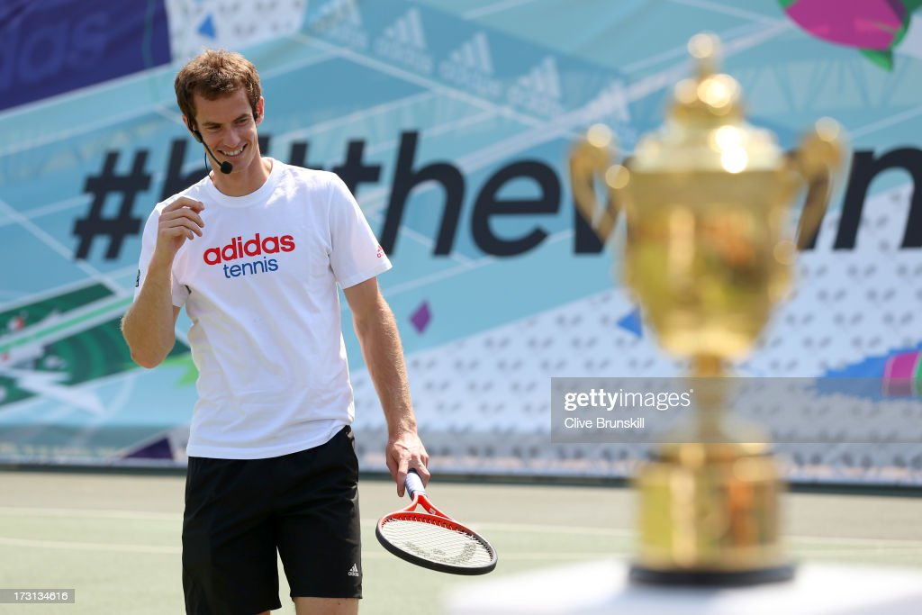 adidas Presents Wimbledon Champion Andy Murray Meeting Fans : News Photo