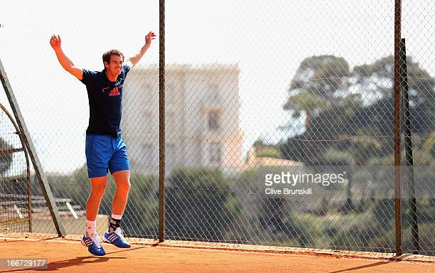 Andy Murray of Great Britain warms up at a practice session prior to his second round match during day three of the ATP Monte Carlo Masters,at...