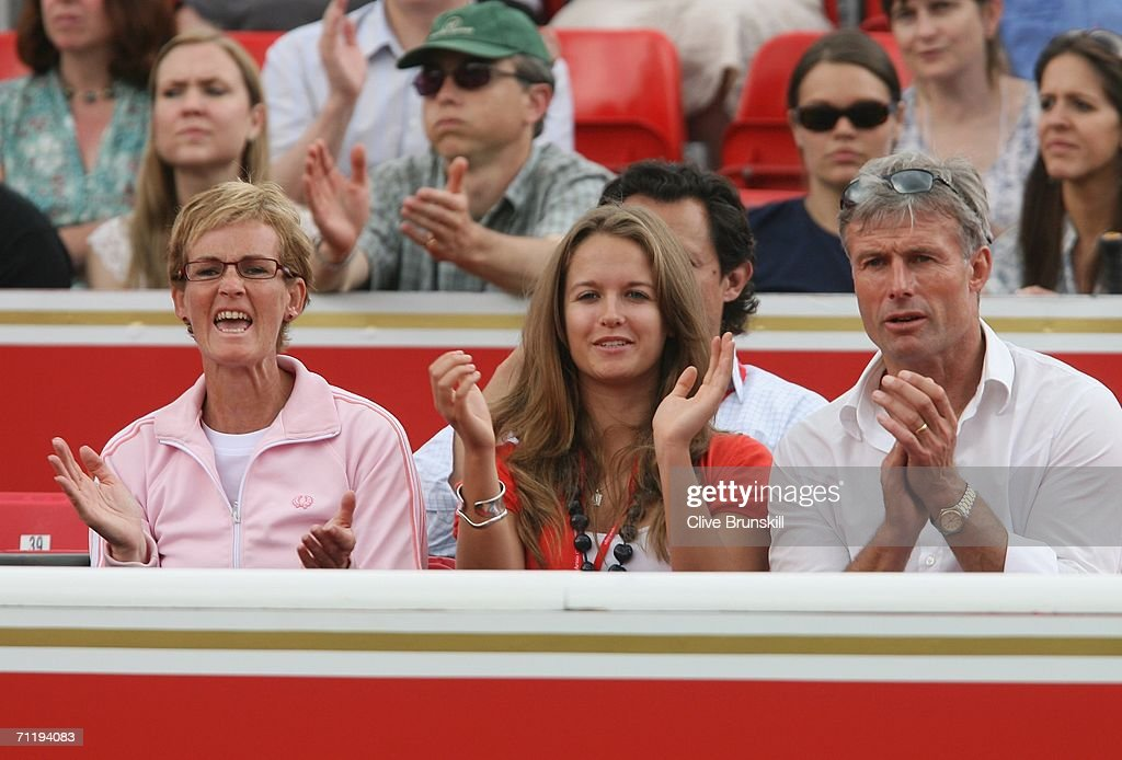 Andy Murray's mother, Judy (L), his girlfriend Kim Sears and her father Nigel Sears cheer during the match between Andy Murray of Great Britain and Janko Tipsarevic of Serbia and Montenegro during the Stella Artois Championships at Queen's Club on June 13, 2006 in London, Engand.