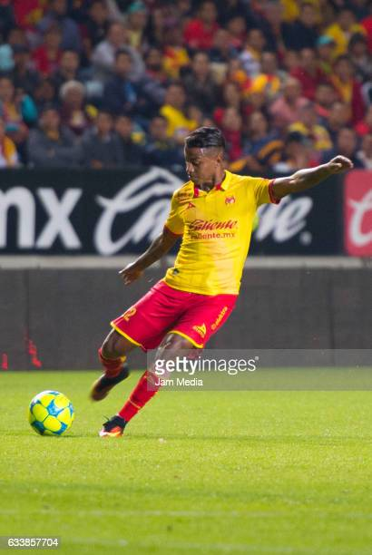 Andy Polo of Morelia kicks the ball during the 5th round match between Morelia and America as part of the Torneo Clausura 2017 Liga MX at Morelos...