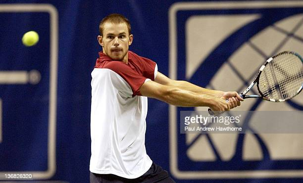 Andy Roddick hits a return shot during his finals match with Mardy Fish at the 2004 Siebel Open in San Jose, California, February 15, 2004. Roddick...