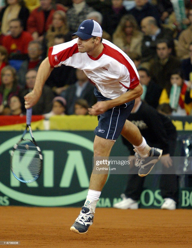 2004 Davis Cup Final - USA vs Spain - Singles - Andy Roddick vs Carlos Moya