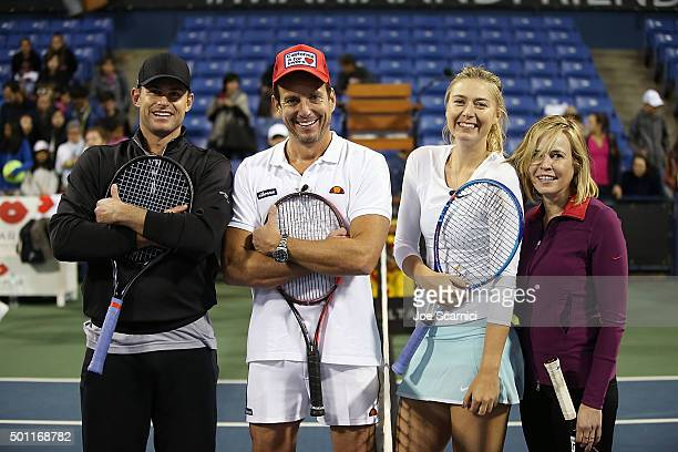 Andy Roddick Will Arnett Maria Sharapova and Chelsea Handler pause for a photo at the Maria Sharapova and Friends tennis exhibition Presented By...