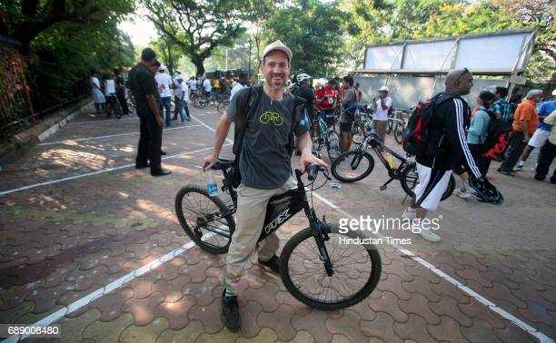 Andy Singer Cartoonist from Unites States of America participates in Bikeathon on the eve of Mumbai's first ever Car Free Day in South Mumbai