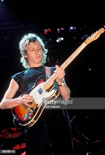 ARENA Photo of Andy SUMMERS and POLICE