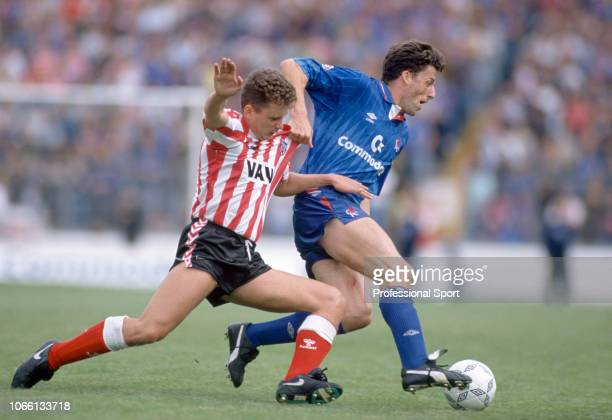 Andy Townsend of Chelsea holds off Brian Atkinson of Sunderland during a Barclays League Division One match at Stamford Bridge on September 8, 1990...