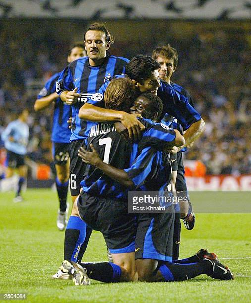 Andy Van Der Meyde of Inter Milan celebrates with his teammates after scoring the second goal during the UEFA Champions League First Stage Group B...