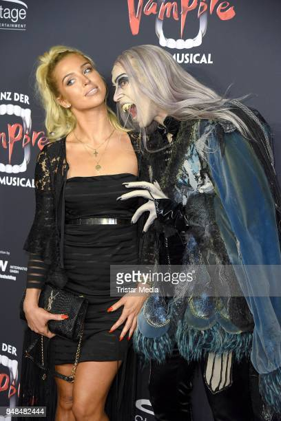Aneta Sablik attends the 'Tanz der Vampire' Musical Premiere at Stage Theater on September 17 2017 in Hamburg Germany