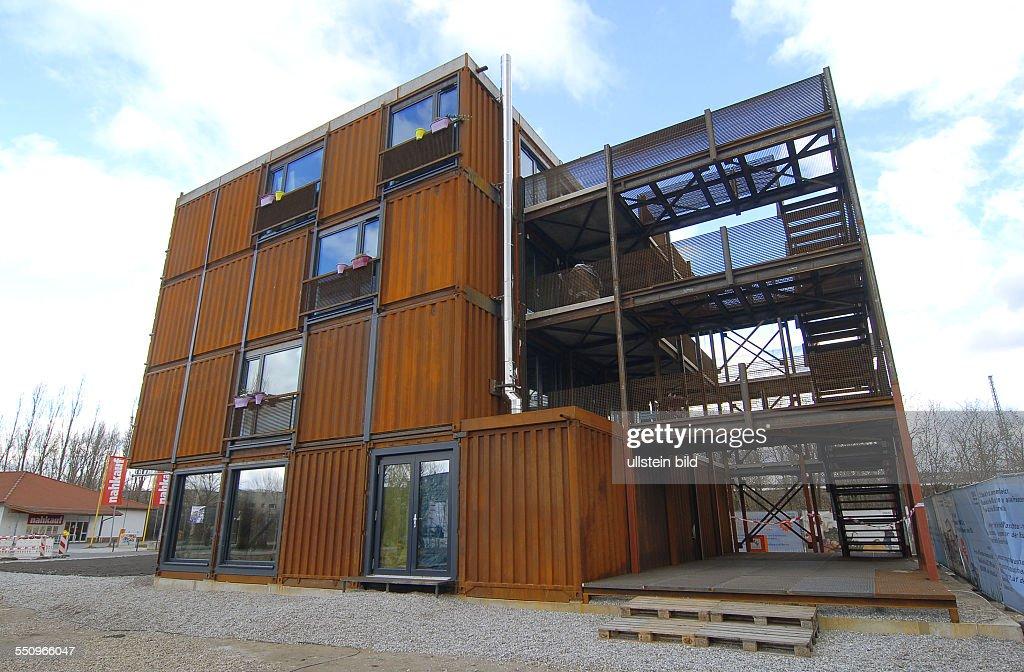 JOHNNY, Containerhaus im Studentendorf Eba51 in Berlin Pictures ...