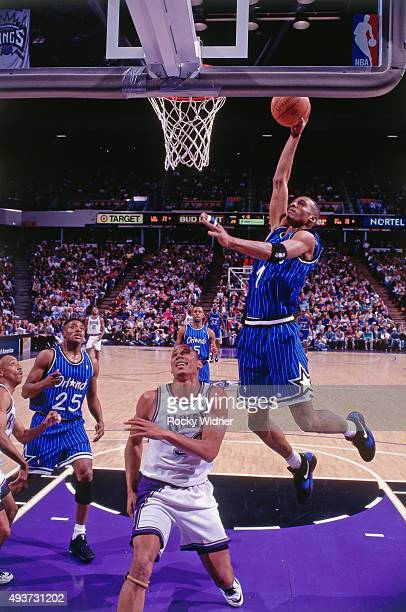 Anfernee Hardaway of the Orlando Magic dunks against the Sacramento Kings on March 28 1995 at Arco Arena in Sacramento California NOTE TO USER User...