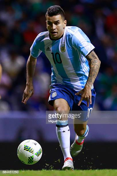 Angel Correa of Argentina drives the ball during an U23 International Friendly between Mexico and Argentina at Cuauhtemoc Stadium on July 28 2016 in...