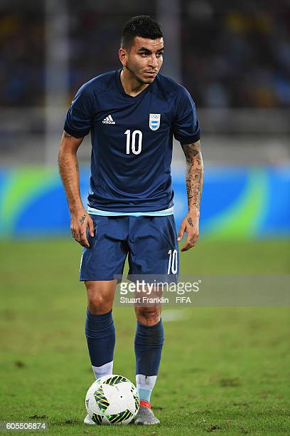 Angel Correa of Argentina in action during the Olympic Men's Football match between Argentina and Algeria at Olympic Stadium on August 7 2016 in Rio...
