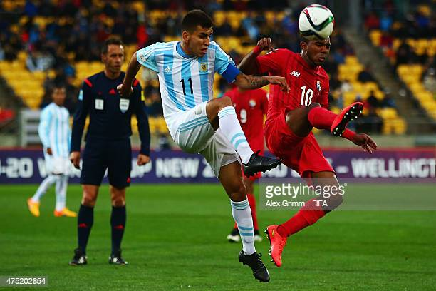 Angel Correa of Argentina is challenged by Jhamal Rodriguez of Panama during the FIFA U20 World Cup New Zealand 2015 Group B match between Argentina...