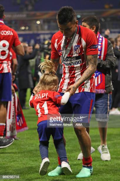 Angel Correa of Atletico Madrid celebrates with his daughter at the end of the UEFA Europa League Final between Olympique de Marseille and Club...