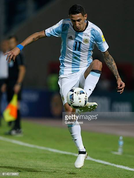 Angel Di Maria of Argentina controls the ball during a match between Argentina and Paraguay as part of FIFA 2018 World Cup Qualifiers at Mario...