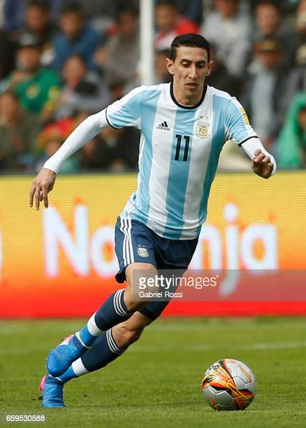 Angel Di Maria of Argentina drives the ball during a match between Bolivia and Argentina as part of FIFA 2018 World Cup Qualifiers at Hernando Siles...