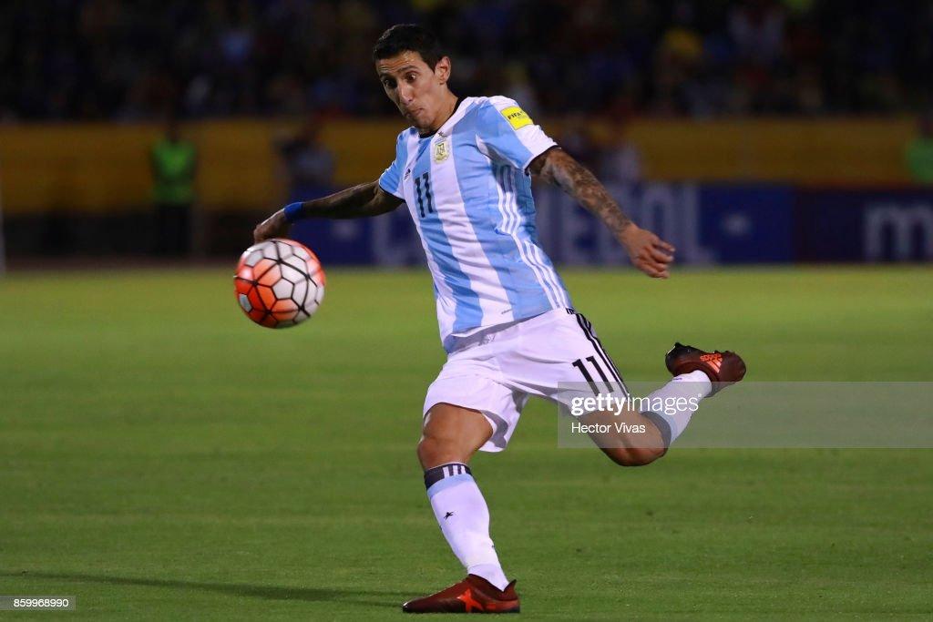 Ecuador v Argentina - FIFA 2018 World Cup Qualifiers : Fotografía de noticias