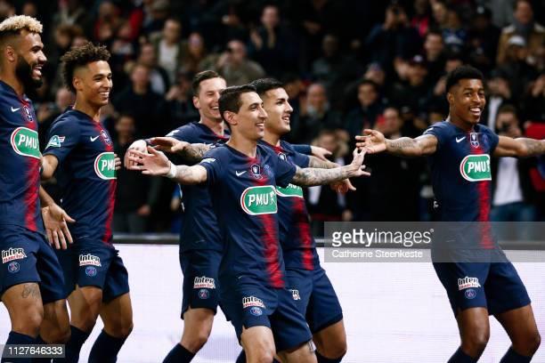 Angel Di Maria of Paris SaintGermain celebrates his goal with Eric Choupo Moting Thilo Kehrer Julian Draxler Leandro Daniel Parades and Presnel...
