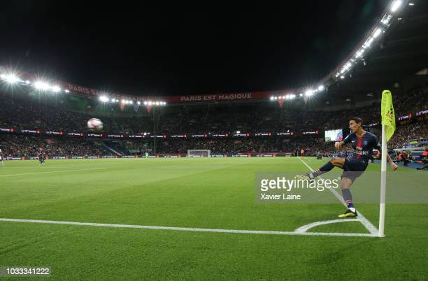 Angel Di Maria of Paris SaintGermain in action during the French Ligue 1 match between Paris Saint Germain and AS Saint Etienne on September 14 2018...