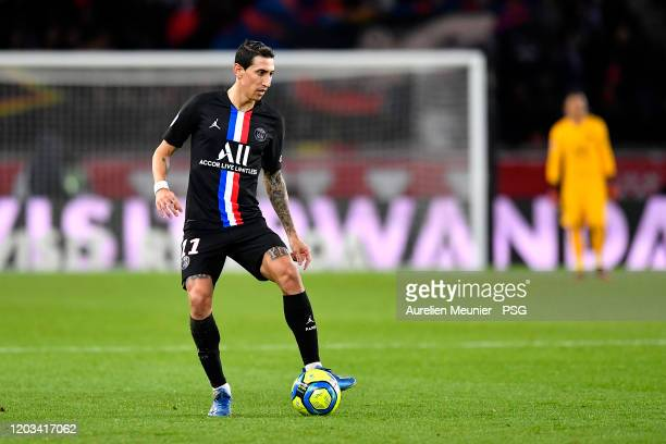Angel Di Maria of Paris SaintGermain runs with the ball during the Ligue 1 match between Paris SaintGermain and Montpellier HSC at Parc des Princes...