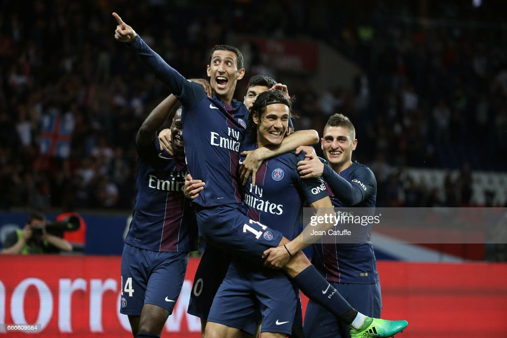 Paris Saint-Germain v EA Guingamp - Ligue 1